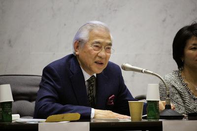 写真 青山大学国際シンポジウム小倉代表.JPG