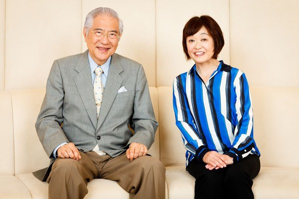 対談の様子 写真右 増田明美さん 写真左 小倉和夫パラリンピック研究会代表